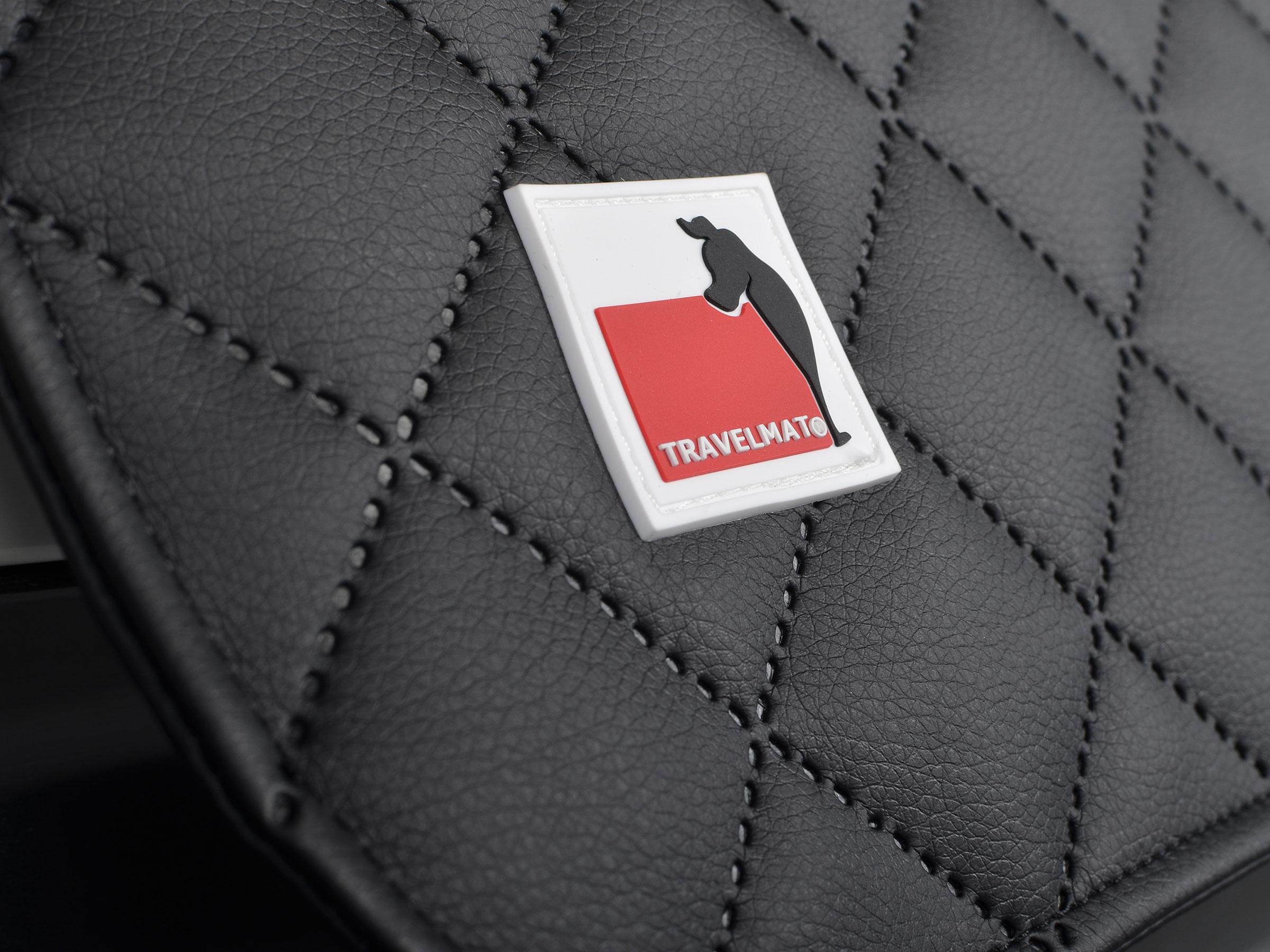 travelmat-bmw-5er-touring-autohundebett-schwarz-03
